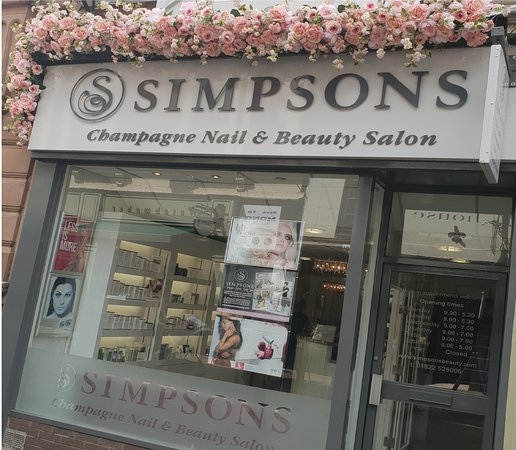 ‪Simpsons City Centre Champagne Nail & Beauty Salon‬