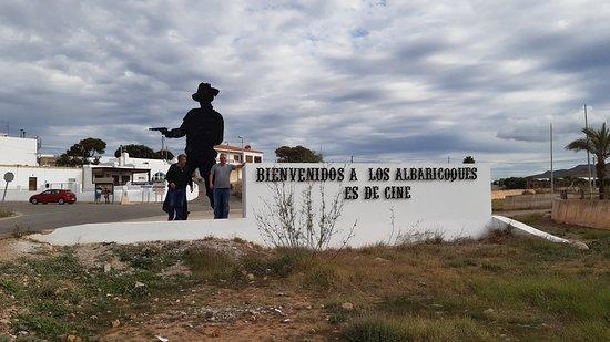 """Los Albaricoques, il paese dov'è stato girato """"Per qualche dollaro in più""""."""