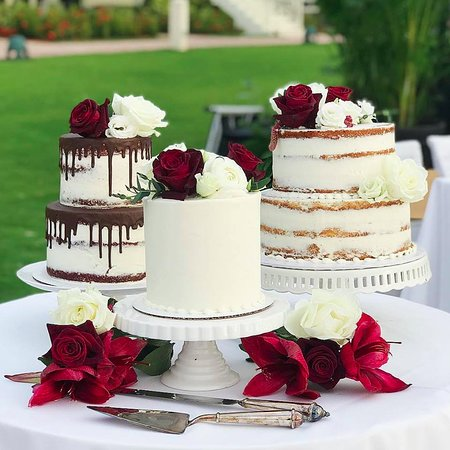 deconstructed wedding cake at the JW Marriott Marco Island