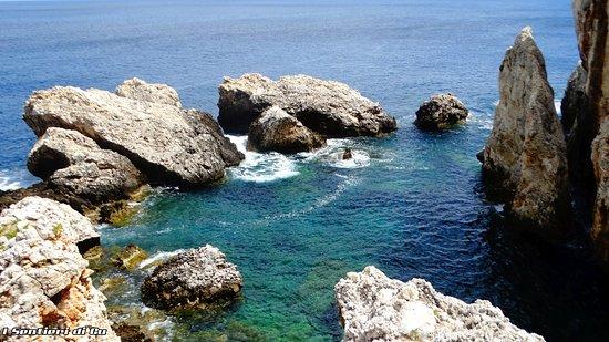 Zarbo di Mare, Италия: Lo splendido laghetto di Venere, sempre lungo la costa di Cala Firriato a San Vito Lo Capo.