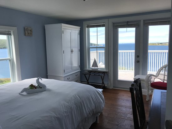 Your room awaits at Mallamoore House in Heart's Content Newfoundland