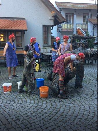 Hotel Restaurant Sonne: Gengenbach Narren Brunnen Putzete