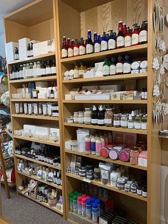 our bath & body bookcase full of British made gifts for yourself & your loved ones. All our beauty products are not tested on animals and are all made using 100% natural ingredients.