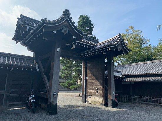Sakaimachi-Gomon Gate
