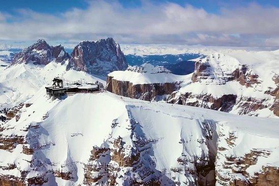 Infinite Dolomites Ski Experience