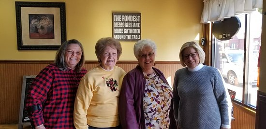 Peebles, OH: A group of us enjoy traveling to Adams County annually and Main Street Grille has become a favorite place to stop for lunch. Delicious, friendly and affordable... this is the place for lunch in Adams County!