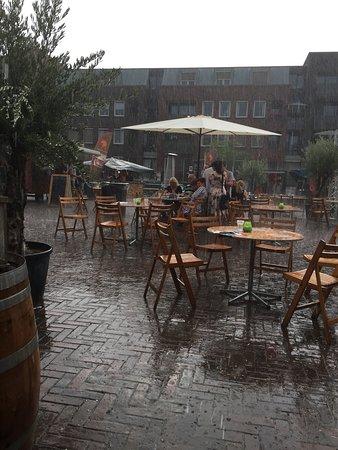 Teuven, België: Geweldige lokatie, gelukkig ook binnen op die ene dag met slecht weer.