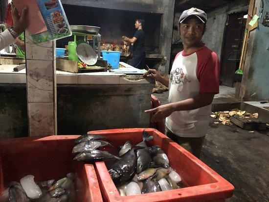 Tanjung Alam Ikan Bakar: kies je vis