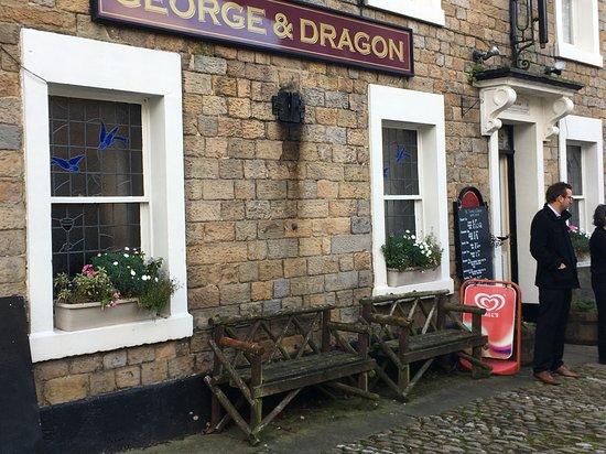 Quaint Village Pub - totally authentic- like the village of Wray!