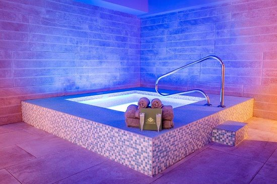 Reception – Doubletree by Hilton Harrogate Majestic Hotel and Spa, Harrogate fényképe - Tripadvisor