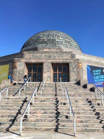 Adler Planetarium Admission صورة