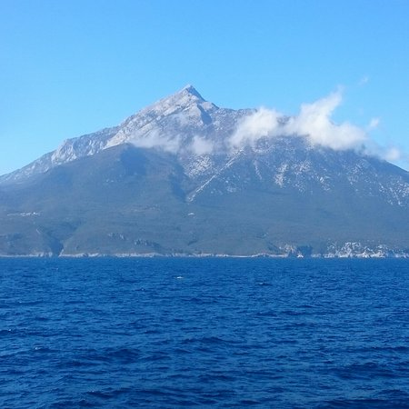 Mt. Athos Peninsula, Yunanistan: Mt Athos Island the most beautiful mountain passing through from Kavala to Agii Theodori Port..