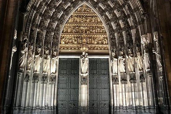 Questo Cologne | City Games & Tours