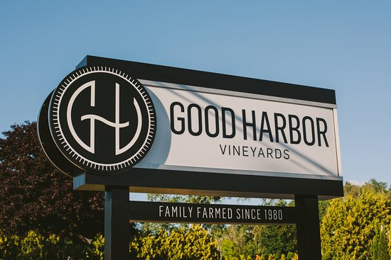 Good Harbor Vineyards