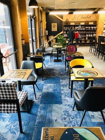 Epron, France: Salon de thé