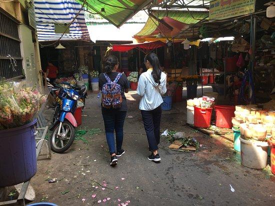 Zdjęcie Saigon 4-hour luxury tasting tour on motorbike (with 10 authentic dishes)