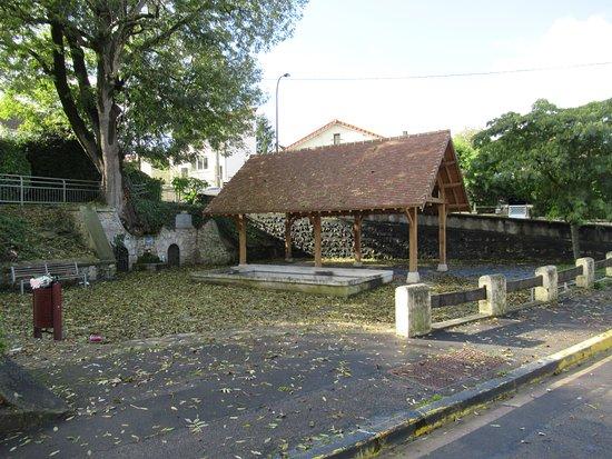 Lavoir de la Fontaine Lassault