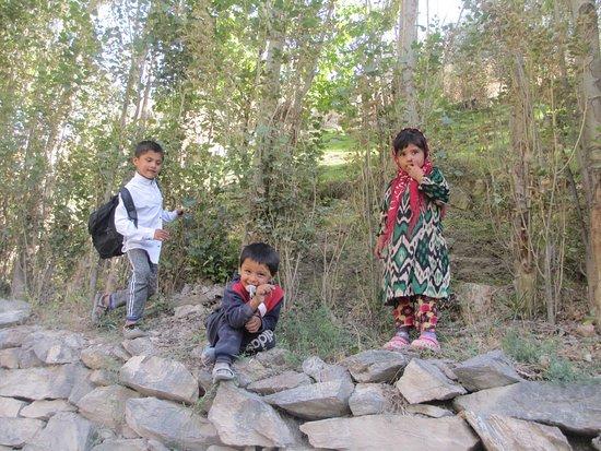Marguzor, ทาจิกิสถาน: дети