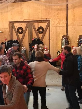 Morrisburg, Kanada: Christmas 2018 Open House - Modern Square Dancing demonstration - very popular with lots of fun audience participation when people learned how to square dance