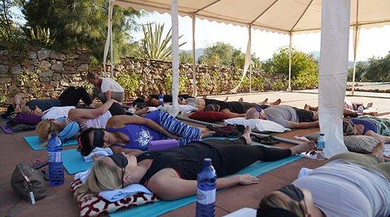 Villanueva del Rosario, España: Yoga retreat at Cortijo Sabila from USA