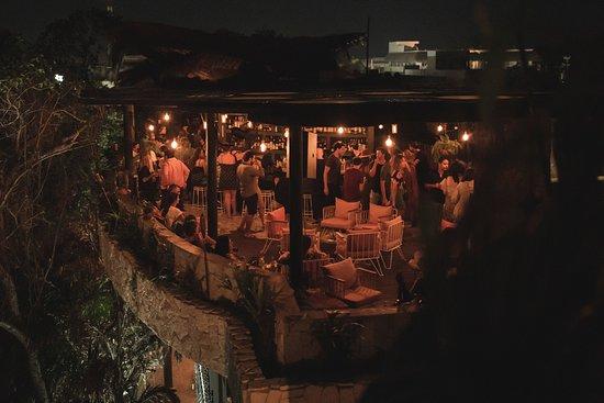 Naná Rooftop Bar