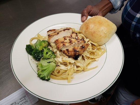 Clarksville, MO: Chicken Alfredo