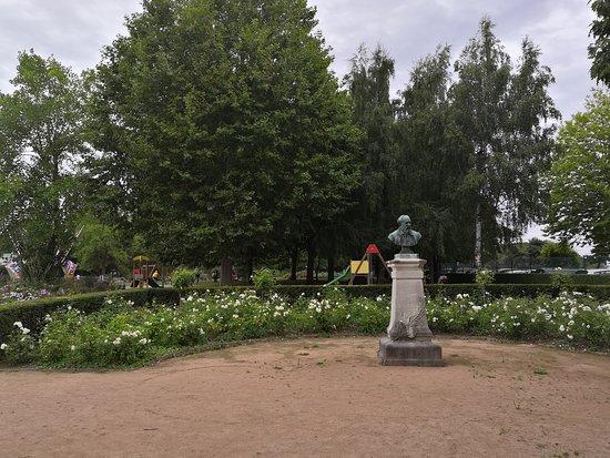 Le buste d'Eugene Boudin
