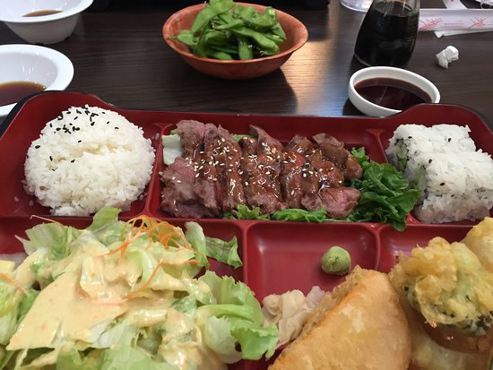 Cherry Valley, CA: Bento Box - Meat