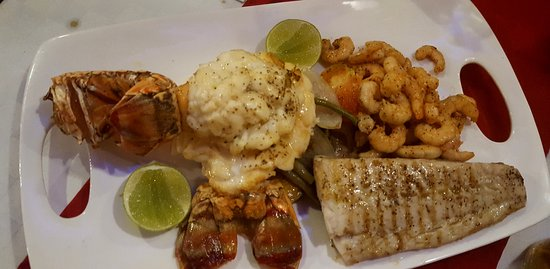 El Ancla: Seafood platter for two