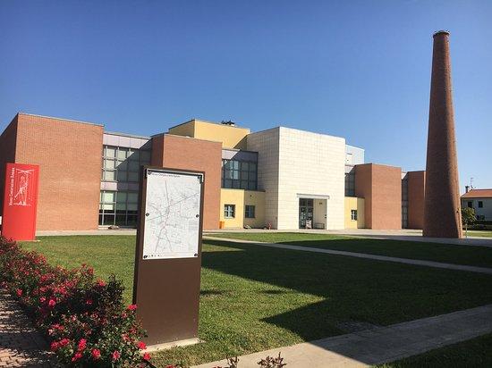 Centro Civico di Aldo Rossi