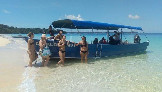 Contadora Island, Panama: Charters