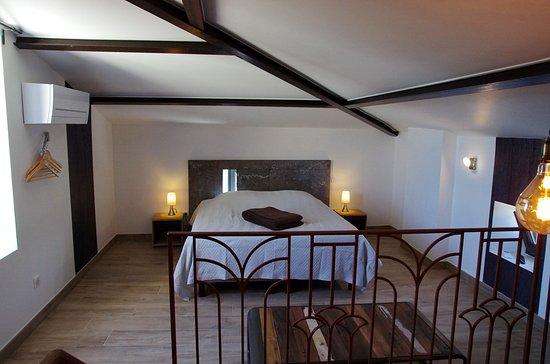 Saint-Jean-de-Crieulon, France: chambre cocooning Chardonnay