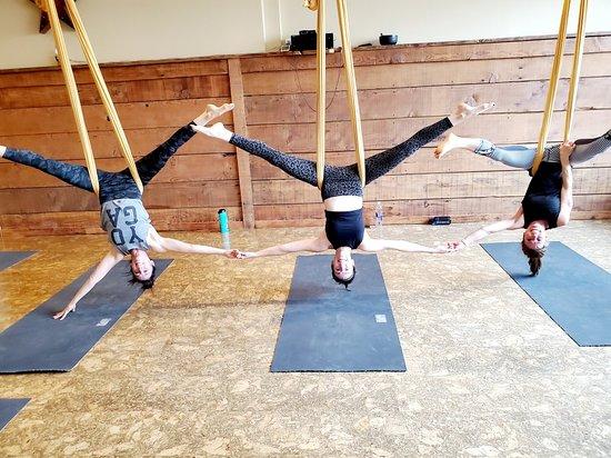 4 Elements Yoga Shop & Studio