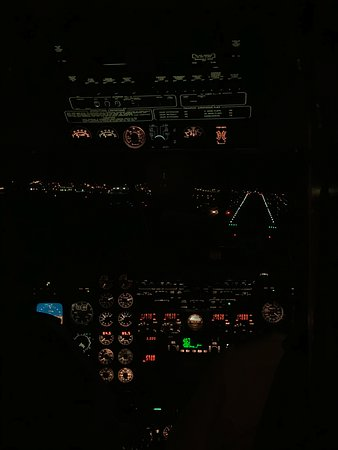 Pacific Coastal Airlines: View from Cockpit of Beechcraft 1900D. Landing at YYJ, November 2019
