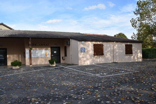 Cayrac, France: pour ma collection de photos MONUMENTS aux morts sur le blog de la DREB . Drôle de commune imbriquée dans REALVILLE ! (http://dreb.eklablog.com/monuments-aux-morts-du-82-sommaire-p1672122)