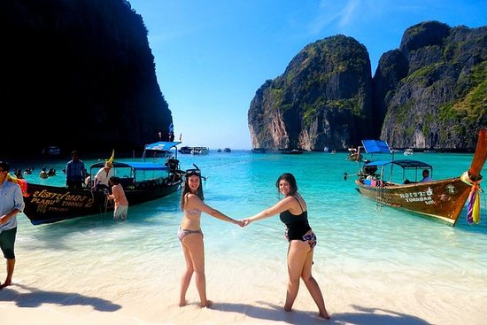 Full Day Tour of Phi Phi Island by Big...