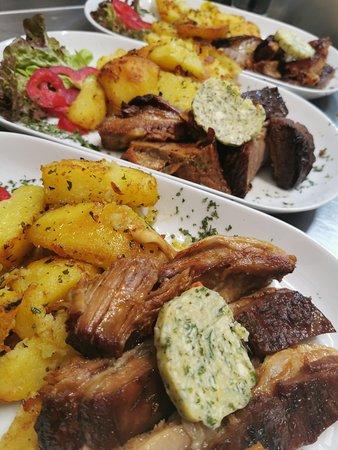 Teletina ispod saca sa krompirom 👌 Kalbfleisch mit Kartoffeln auf Balkan Art 😋
