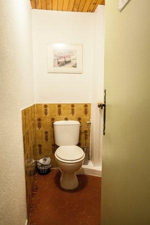 Мезель, Франция: wc commun