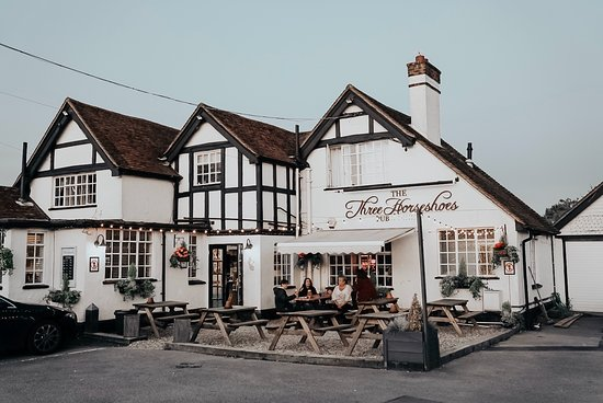 High Wycombe, UK: The Three Horseshoes - Flackwell Heath