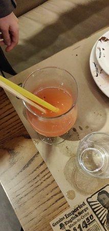 Le moucheron qui fait déborder le cocktail