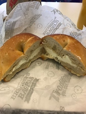 ‪‪Haverford‬, بنسيلفانيا: Plain bagel with cream cheese‬