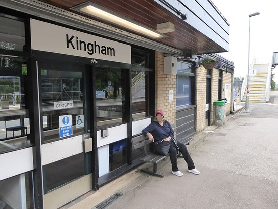 Kingham Railway Station