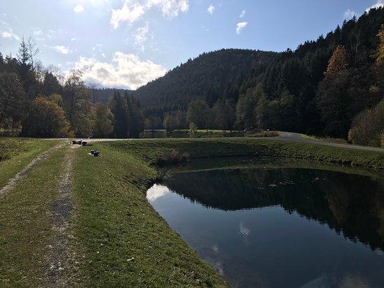 Neuweiler, Tyskland: Und es ist überhaupt nicht überlaufen mit Anglern.