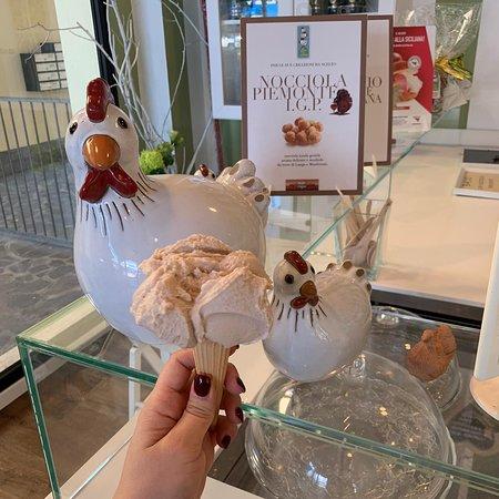🛎SUPER NOVITÁ🛎Da oggi potrai ordinare la tua vaschetta di gelato o anche una torta, devi solo chiamarci, e noi ti portiamo il gelato direttamente a casa!!!!!!!Solo alla Collina delle Galline #lacollinadellegalline #cosegnaadomicilio #gelatonaturale#gelato #gelateria #gelateriaartigianale Via Giovannetti 9/11/13, Correggio - Emilia-Romagna, ItalyChiama 339 356 4222