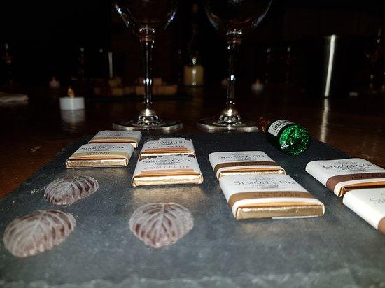 Moja, Spanien: Wine and chocolate pairing