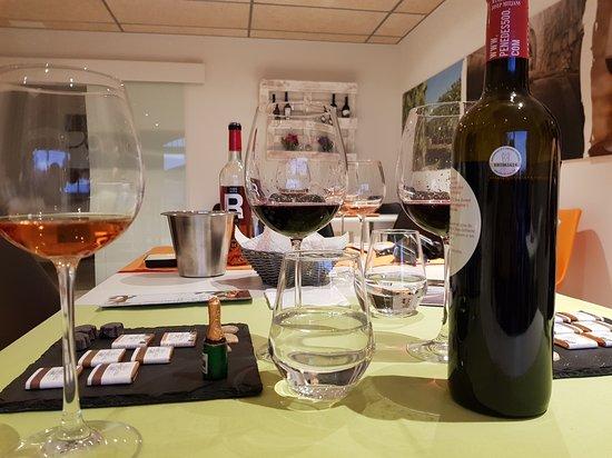 Moja, Spanien: Wine tasting