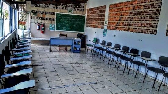 Saude: sala de reunião da clinica de recuperação getsêmani