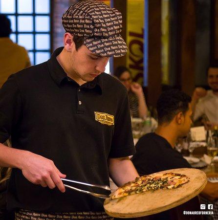 Simplesmente incomparável! 💁🏻🍕🍝  Em nosso rodízio contamos com mais de 70 sabores de pizzas, 08 tipos de risotos, 08 tipos de massas e porções especiais.  📍Rua Pio XII, 3212 📍Rua Pernambuco, 1044  ☎ Reservas (45) 3039-3334 ou 3306-2100