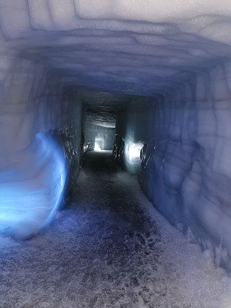 North Iceland, ไอซ์แลนด์: ice tunnels