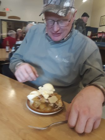 Forsyth, MT: Now that's a piece of pie